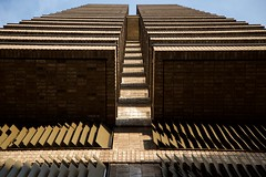 DSC_1219 (AperturePaul) Tags: rotterdam netherlands southholland europe nikon d600 city building architecture symmetry