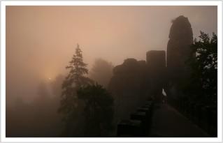 Nebelmorgen am Neurathener Felsentor (in explore)