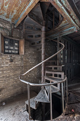 Spiral staircase (Behind The Signs) Tags: behindthesigns urban exploration urbex abandoned disused abandonné abbandonato verlassen forsake abandonner abbandonare derelict decay épave derelitto baufällig verfallen dark sombre scuro dunkel darkness obscurité oscurità lonely solitaire solitario einsam opuszczony zapomniany wykolejeniec ngc industrial factory spiral staircase