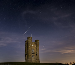 Perseid (MarkWaidson) Tags: broadway tower vapour trail shooting star stars perseid