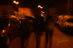 Shadows (Lunatiick) Tags: shadows longexposition largaexposición noche luces lights night people walking unfocused neon bokeh person walkers