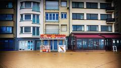 3 - 3 - 3- 3- 3 - 3 - 3 - 3 - 2 (roberke) Tags: windows ramen vensters deur deuren architecture architectuur willekeur red rood outdoor dijk verlaten