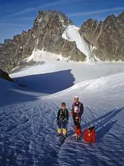 Introduzione all'alpinismo (1992) (giorgiorodano46) Tags: agosto1992 august 1992 giorgiorodano arolla tête blanche panci andrea giordano valais vallese wallis alpi alps alpes alpen svizzera suisse alpinism alpinismo ghiacciaio glacier cordata cordée bertol