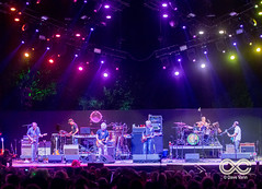 08-27-17_DPV_4105_Lockn_Fest_moe_with_Phil_Lesh_by_Dave_Vann (locknfestival) Tags: lockn moe phil lesh bob weir vinnie amico jim loughlin al schnier chuck garvey fans crowd