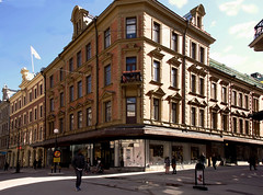 Street (Linnea from Sweden) Tags: street city canon eos 40d sigma 1750mm f28 ex dc os hsm summer