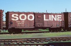 SOO 42072 (Chuck Zeiler) Tags: soo 42072 railroad box car boxcar freight minneapolis chuckzeiler chz