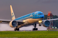 KLM - PH-BVR - Boeing 777 - 05-08-2017 (Oscar Lammers Photography) Tags: klm phbvr boeing 777 05082017 ams eham amsterdam schiphol airport runway airplane take off aalsmeerbaan aviation airline aircraft