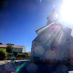 Saint-Léger-la-Montagne, Haute-Vienne (pom.angers) Tags: panasonicdmctz30 stage 2017 august nouvelleaquitaine france hautevienne 87 europeanunion saintlégerlamontagne ambazac limoges sun cycle bicycle church flare 100 150 200 5000