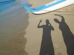 selfie on the sand (kenjet) Tags: vacation hawaii island oahu waikiki waikikibeach selfie shadow beach us ken kenny kenjet rob robbie waive hi hello sand sandy