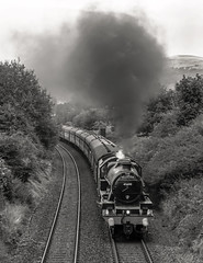 """Roaring Start Up The Bank"" Jubilee 45690 'Leander' (Liam60009) Tags: jubilee 45690 5690 leander 5xp stanier thefellsman fellsman whalley billington blackandwhite monochrome bw mainline mainlinesteam sony a7rii"