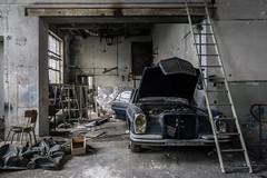 Désossée. (LoquioR) Tags: atelier garage mercedes abandonné abandoned decay exploration urbex urbaine