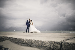 Steven & Sofie. (ZjeromePhotography) Tags: wedding weddingphotography photographer nikon d810 35mm sea seaside oostende life love freedom freeyourmind enjoy couple bestday hello world belgium adventure bound cosy clouds sky landscape