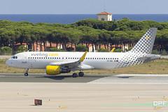 EC-MAI (Escursso) Tags: 07r 320 a320 a320214 aena airbus bcn barcelona catalunya ecmai elprat lebl llobregat vueling wings aeroport airplane airport avio avion mediterranean plane spotting