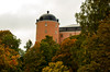Uppsala castle in autumn colors (Erilin76) Tags: uppsala myuppsala slott castle history svandammen kingdom sweden canon eos550d 200mm