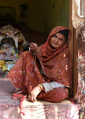 20170312-MVR_1640 (Mivr) Tags: old woman india barsana local rural sitting relaxed