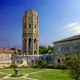 Charroux, Vienne - Tour Charlemagne