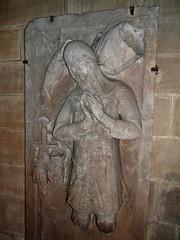 ca. 1345-1350 - 'knight, probably Werner Falk(e) (Falcke) von Munsweiler (+after 1333)', Église Notre-Dame de l'Assomption, Rouffach, dép. Haut-Rhin, France (RO EL (Roel Renmans)) Tags: 1330 1340 1345 1350 knight ritter ridder chevalier caballero cavaliere werner falk falke falcke rouffach elzas alsace elzass church église kirche kerk iglesia armor armure armour harnas harnisch rüstung armadura armatura bascinet bacinet camail aventail coatofplates plattenrock hauberk kettenhemd cotte de mailles vervelles heaume great helm helmet topfhelm gran yelmo poleyn surcotte surcoat wappenrock waffenkleid waffenrock mamelieres chain ketten sword dagger notre dame l assomption tomb effigy tombeau grabmal efigie grafbeeld falcon valk