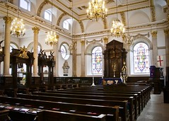 St Lawrence Jewry next Guildhall (Stephen_Hartley) Tags: architecture christopherwren church churchinterior churchofengland cityoflondon corporationoflondon guildchurch guildhall london lordmayoroflondon