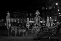 La ronde de nuit (Clydomatic) Tags: charleville placeducale nuit terrasse parasol nb