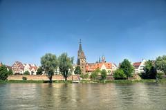 Ulm - Die Donau (Ventura Carmona) Tags: alemania germany deutschland badenwürttemberg ulm ulmermünster catedral donau danubio venturacarmona