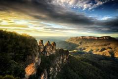 Sunrise at Blue Mountain Australia (Wirut Lee Khemnak) Tags: nikonphoto fullframe favorite facebook australia sunrise d800 nsw popular thebest