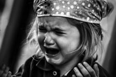 Crying girl at Skansen in Stockholm, Sweden 5/9 2010. (photoola) Tags: skansen barn stockholm sv ledsen child kids monochrome blackandwhite photoola sweden crying