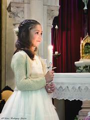 Comunión Laura (vicroga2115) Tags: comunión vela luz niña laura pequeña iglesia tradición cultura infantil familia evento sonrisa