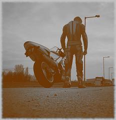 Driver (driver Photographer) Tags: 摩托车,皮革,川崎,雅马哈,杜卡迪,本田,艾普瑞利亚,铃木, オートバイ、革、川崎、ヤマハ、ドゥカティ、ホンダ、アプリリア、スズキ、 aprilia cagiva honda kawasaki husqvarna ktm simson suzuki yamaha ducati daytona buell motoguzzi triumph bmv driver motorcycle leathers dainese