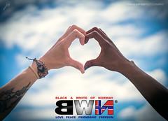 Jannicke & Henriquet 004 Web (IP Maesstro) Tags: black white love heart peace hands models girls oslo norway friendship hdr ipmaesstro