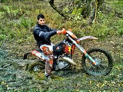 Excursion at strong rain. (driver Photographer) Tags: 摩托车,皮革,川崎,雅马哈,杜卡迪,本田,艾普瑞利亚,铃木, オートバイ、革、川崎、ヤマハ、ドゥカティ、ホンダ、アプリリア、スズキ、 aprilia cagiva honda kawasaki husqvarna ktm simson suzuki yamaha ducati daytona buell motoguzzi triumph bmv driver motorcycle leathers dainese