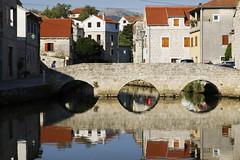 Bru (dese) Tags: bru bridge brücke ponte most 3 vrboska hvar july18 2017 july summer reflections kil fjord adriatarhavet coast kroatia croatia dalmatia adriaticsea adriatischesmeer jadranskomore