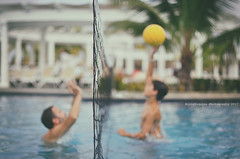 Volleyball (Graella) Tags: volleyball vòlei picina piscina pool jamaica montegobay vacaciones holidays vacances estiu summer verano caribe pelota ball deporte sport resort blur bokeh