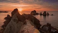 atardecer en portio (Raul Piki Bolukua) Tags: sunset landscape sun beach sea afternoon summer orange photography dawn playa cantabria liencres portio natural nikon d3200 nature atardecer