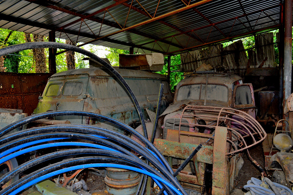 The world 39 s best photos of auto and scrapyard flickr for Ruggine bologna