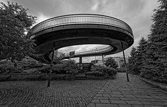 Shortcut (Guillaume DELEBARRE) Tags: passerelle noiretblanc nb bw blackandwhite canon 6d sigma1224mmf4556iidghsm mood monochrome architecture clouds cloudysky