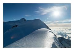 Punta Gnifetti e Capanna Margherita (4554 m slm) (Matteo Bersani) Tags: capanna margherita monterosa montagnemontagnesgebirgemountainmontañasгоры panorama paesaggiopaysagelandscapepaisajelandschaftпейзаж neve snow ghiaccio ghiacciaio ice alpialps alpinismo sonyalpha58 tamron18200
