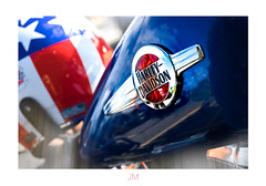 Get your motor runnin' (Photography by Julia Martin) Tags: mousehole england unitedkingdom gb photographybyjuliamartin motorbike getyourmotorrunnin hss clichesaturday gleaming brandnewharleydavidson harleydavidson redwhiteandblue starsandstripes 3852transportation