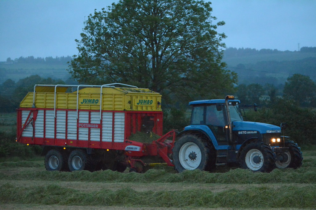 Jumbo Tractor Tow : The world s best photos of newholland flickr hive mind