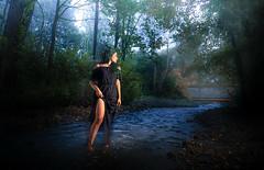 Wildwasser zähmen (O.I.S.) Tags: waso model strobist outdoor nature girl frau woman portrait fluss river bach creek stream water bustedt hiddenhausen steg canon 5d mkii 24 105 f4 24105