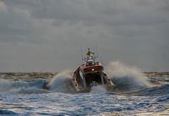 Reddingsboot Egmond aan Zee (krieger_horst) Tags: niederlande egmond rettungsboot wellen