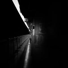waiting for the subway/地下鉄を待つ (s_inagaki) Tags: subway platform waiting tokyo snap monochrome blackandwhite jupiter850mmf2 地下鉄 プラットホーム 待つ 東京 スナップ モノクロ 白黒