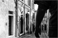 6 cartoline da Spoleto (andaradagio) Tags: spoleto umbria andaradagio bianconero nadiadagaro italia italy bw canon 24mmf28canon