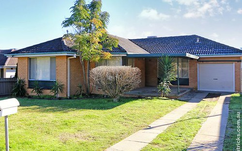 17 Leavenworth Drive, Mount Austin NSW