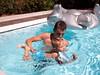 Antoine maître-nageur (Dahrth) Tags: panasoniclumixgf1 gf120 lumix20mm micro43 microquatretiers microfourthirds summer piscine swimmingpool swimmingarmbands brassards swimmingaids bouée waterwings