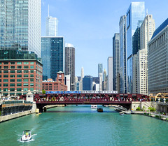 Crossing the Chicago River (std70040) Tags: chicago chicagol chicagotransitauthority masstransit metro train electrictrain emu brownline ctabrownline
