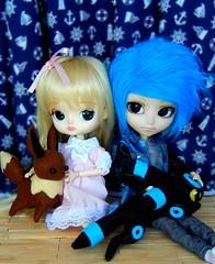 Special days ♥ (Pliash) Tags: dal doll cute kawaii isul mao pullip groove family magical pink chan magicalpinkchan mpc eevee shiny umbreon pokemon felt plushie handmande
