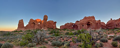 Beautiful Sunrise at Double Arch - Arches National Park (W_von_S) Tags: doublearch sunrise sonnenaufgang archesnationalpark panorama paysage paesaggio landschaft landscape utah america amerika usa us unitedstates vereinigtestaaten felsen rocks red rot rotefelsen redrocks wvons werner sony outdoor june juni 2017 sonyilce7rm2