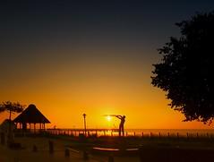 today's sunrise - catch the sun if you can (Ostseeleuchte) Tags: catchthesunifyoucan todayssunrise sunrise sonnenaufgang ostsee balticsea haffkrug sonnenfänger beach strand