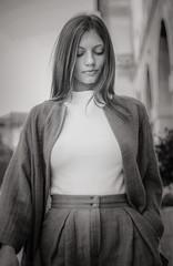 Walking (Del-Hor) Tags: girl fashion algarve portugal beautiful pretty bw