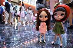 Ang Ku Kueh Girl and Png Kueh Girl were a little dazed at their very firsy Blythecon.......